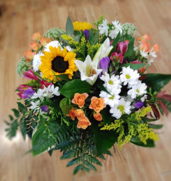 Ramo de flores variadas multicolor