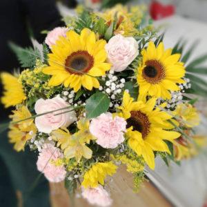Ramo de flores variadas multicolor natural