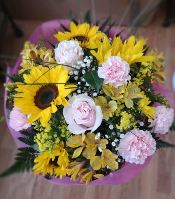 Ramo de flores variadas tonos amarillos